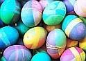 Lődd ki az elrejtett kicsi tojásokat. Vigyázz, mert ha nem vagy ügyes pontlevonás jár!
